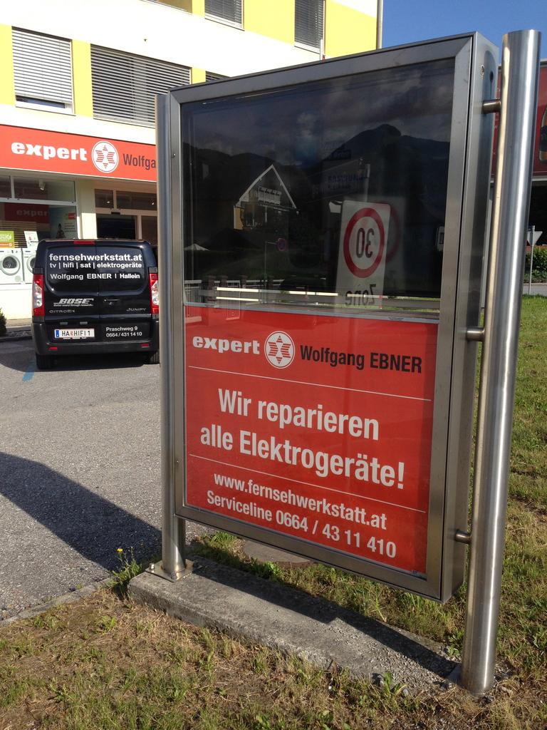 Expert Wolfgang Ebner GmbH - Werbepylon