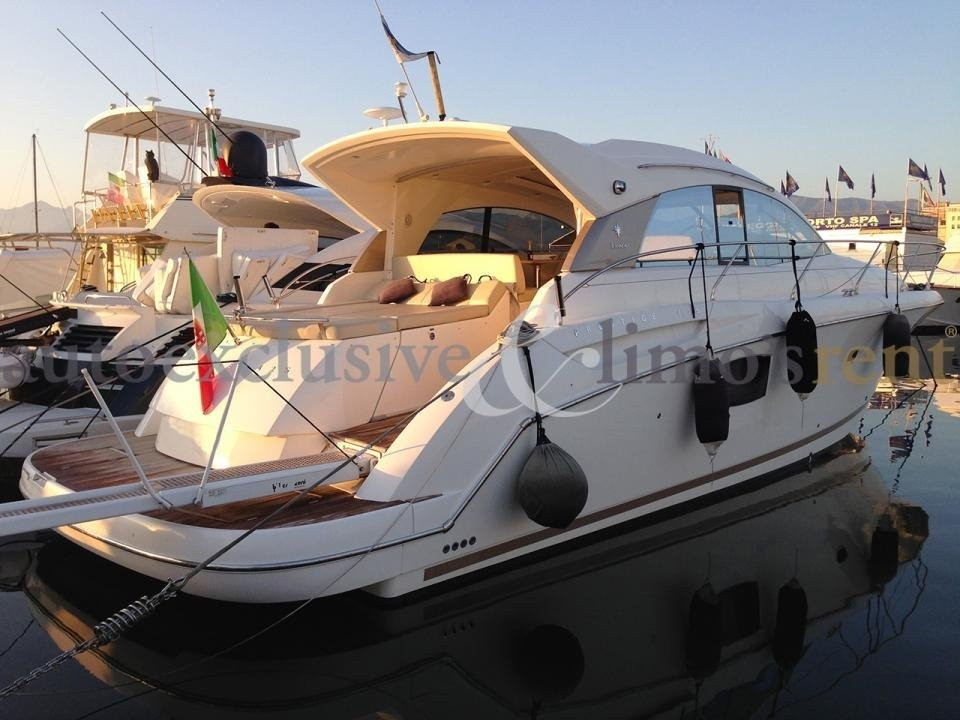 Motoryacht JEANNEAU 42S - mit Skipper